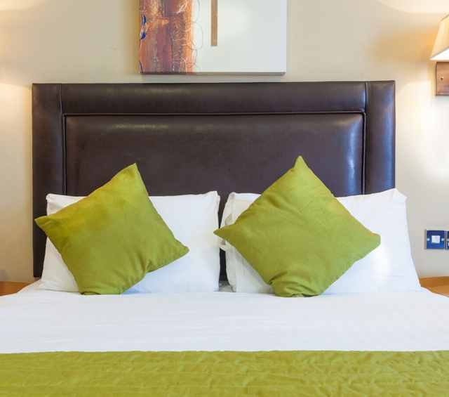 family-room-durley-dean-hotel