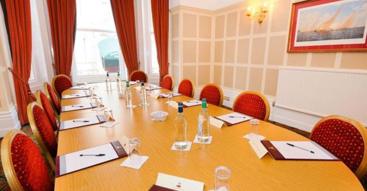 durley-dean-meeting-room-table